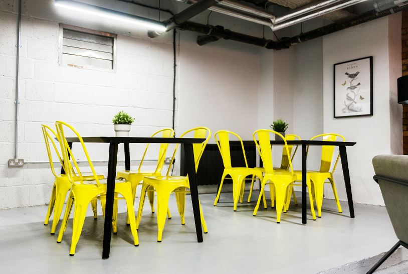 Venaspace Tables