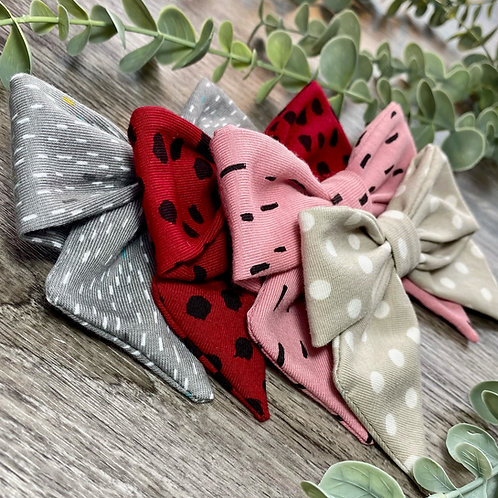 Holly Bow Dots and Dashes