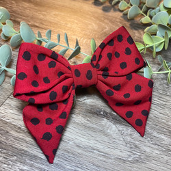 Red Flurry Spot Holly Bow 1