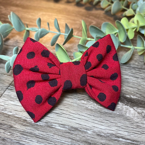 Red Flurry Spot Classic Bow Prong Clip