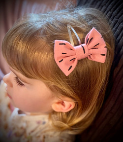 Pink Dash Snap Clip