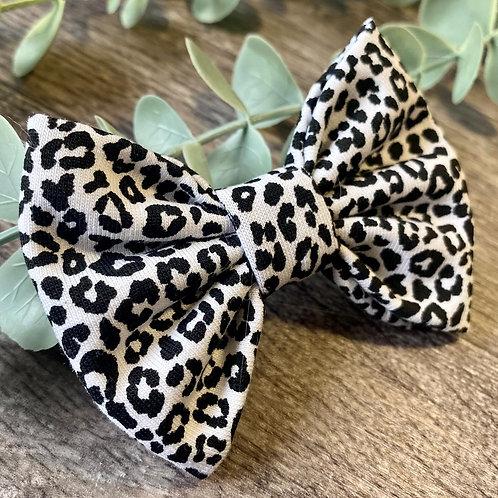 Mini Black and White Leopard Classic Bow Prong Clip