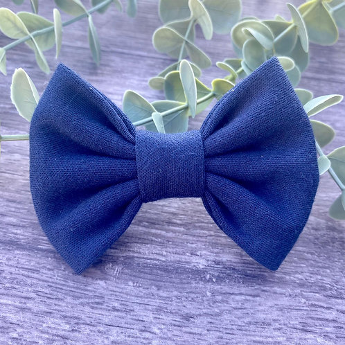 Navy Classic Bow Prong Clip