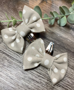 Taupe Polka Dot Classic Bow Snap Clip 2