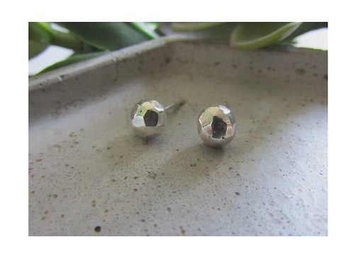 Recycle Studs