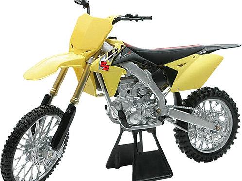 Licensed Replica of 2014 Suzuki RMZ450 1:6 Scale