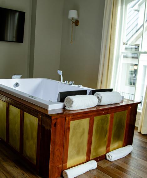Honeymoon Suite Jacuzzi Tub Facade