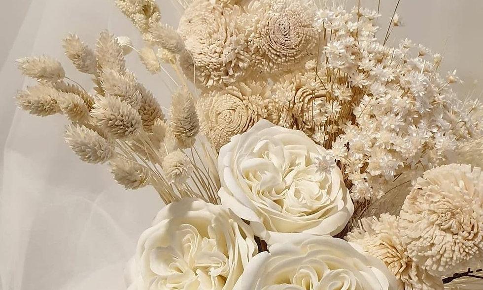 Aranjament in vas cu flori uscate