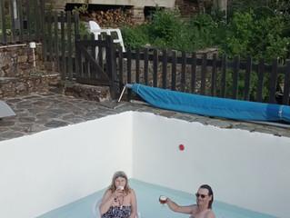 Terrasses ouvertes, ... et, à Montségur, la piscine aussi!