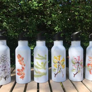 """Reusable bottles from the """"Árboles Nativos de Argentina"""" Collection"""