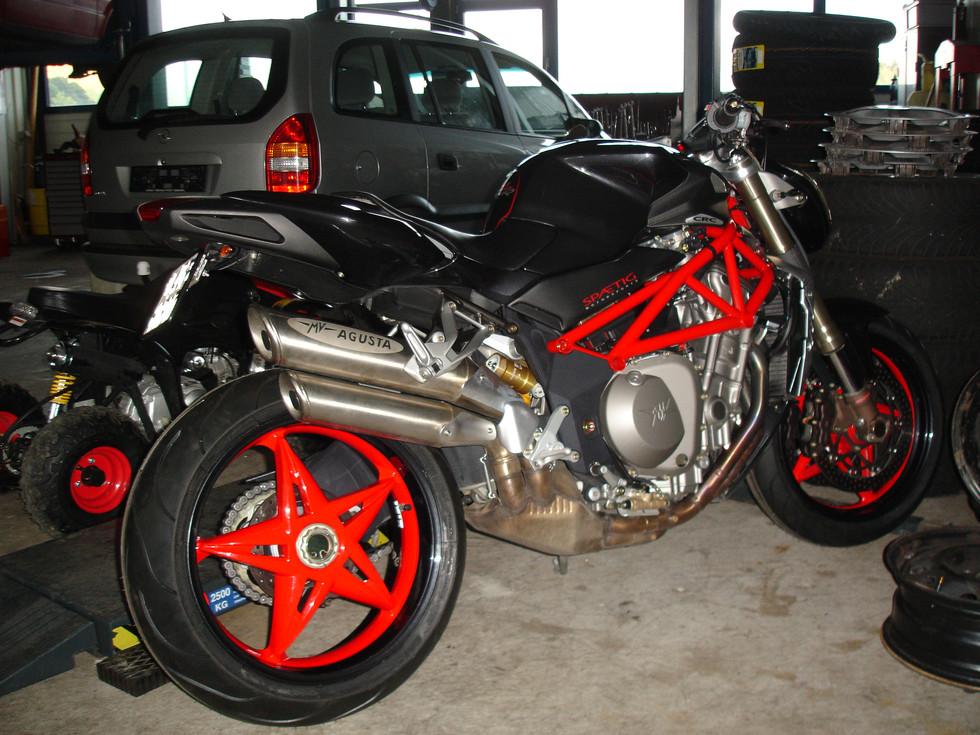 Autos & Motorräder