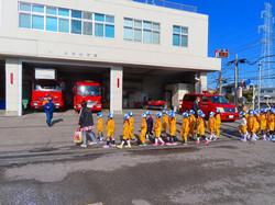 8-06-2  消防署見学 (7)
