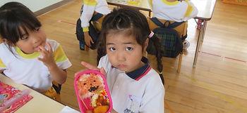 5-03-4 10,31, 年長 ハロウィンの日のお弁当  (85).jpg