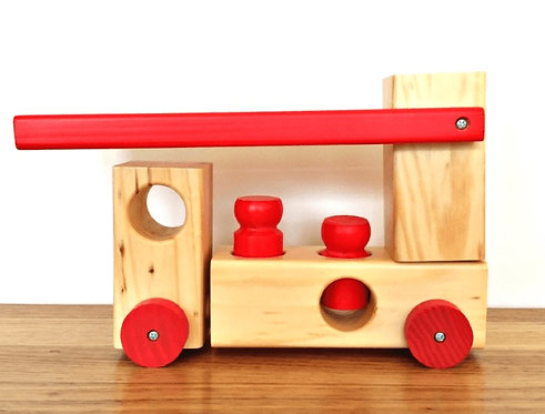 Wooden Fire Engine with 2 Pegs