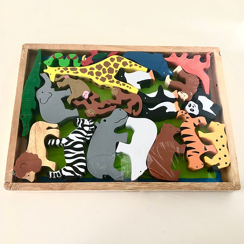 Timber Wild Animals in Tray 20 Pieces with Felt Mat