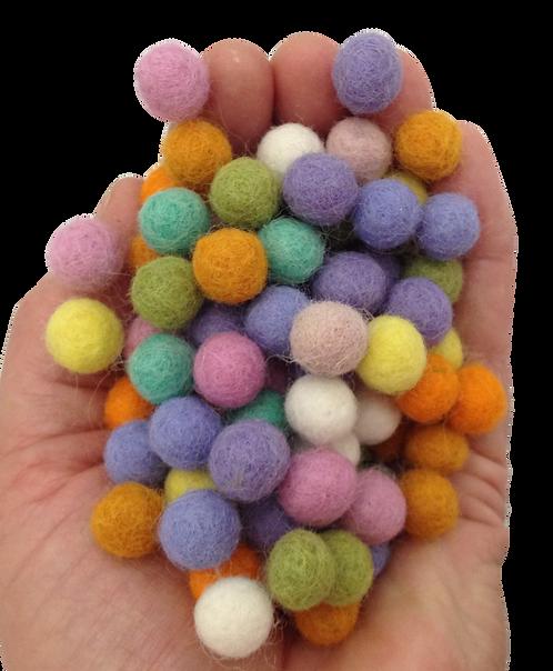 Papoose 1.5cm Spring Pompoms 25 Pieces