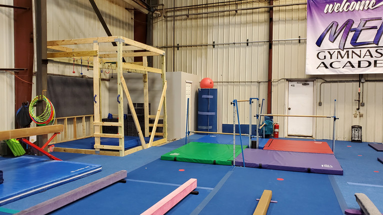 Meks Recreational Gym: Bars, Beam, & Jungle Gym Area