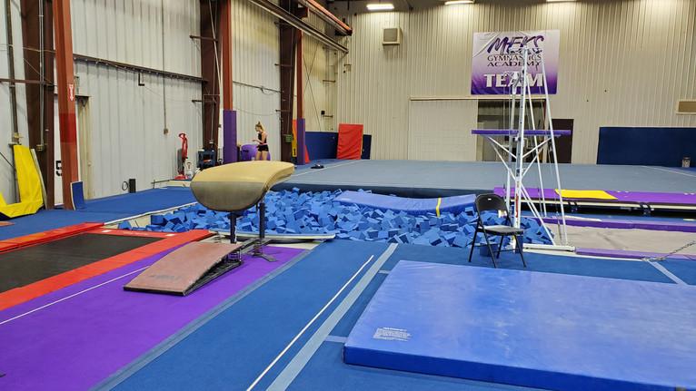 Meks Team Gym: Vault & Foam Pit Area