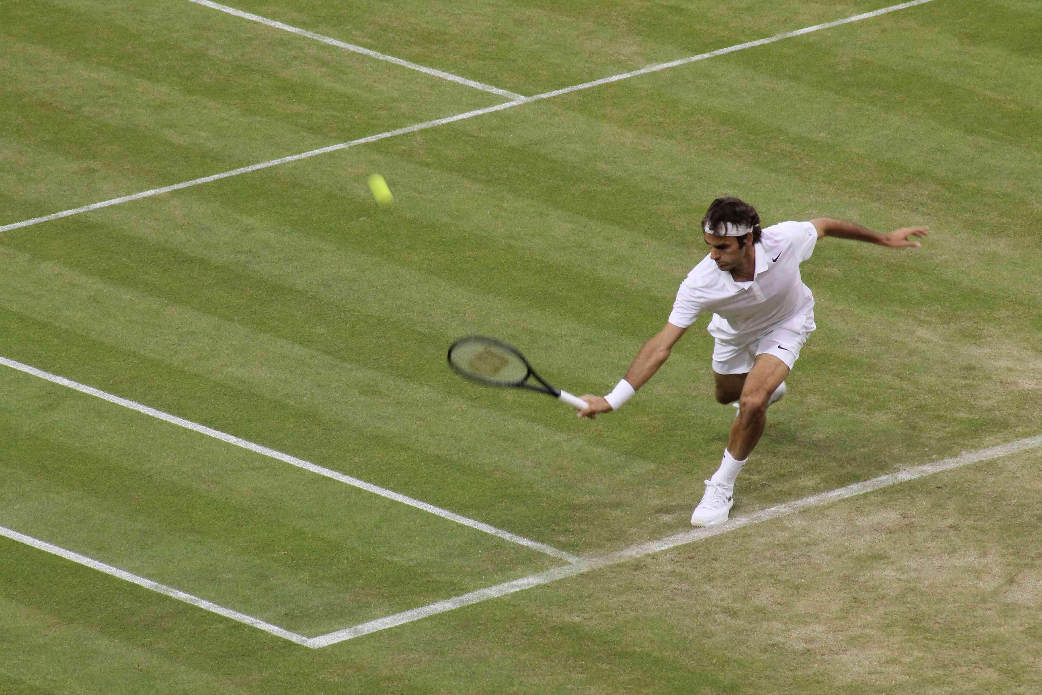 Wimbledon Federer b-hand