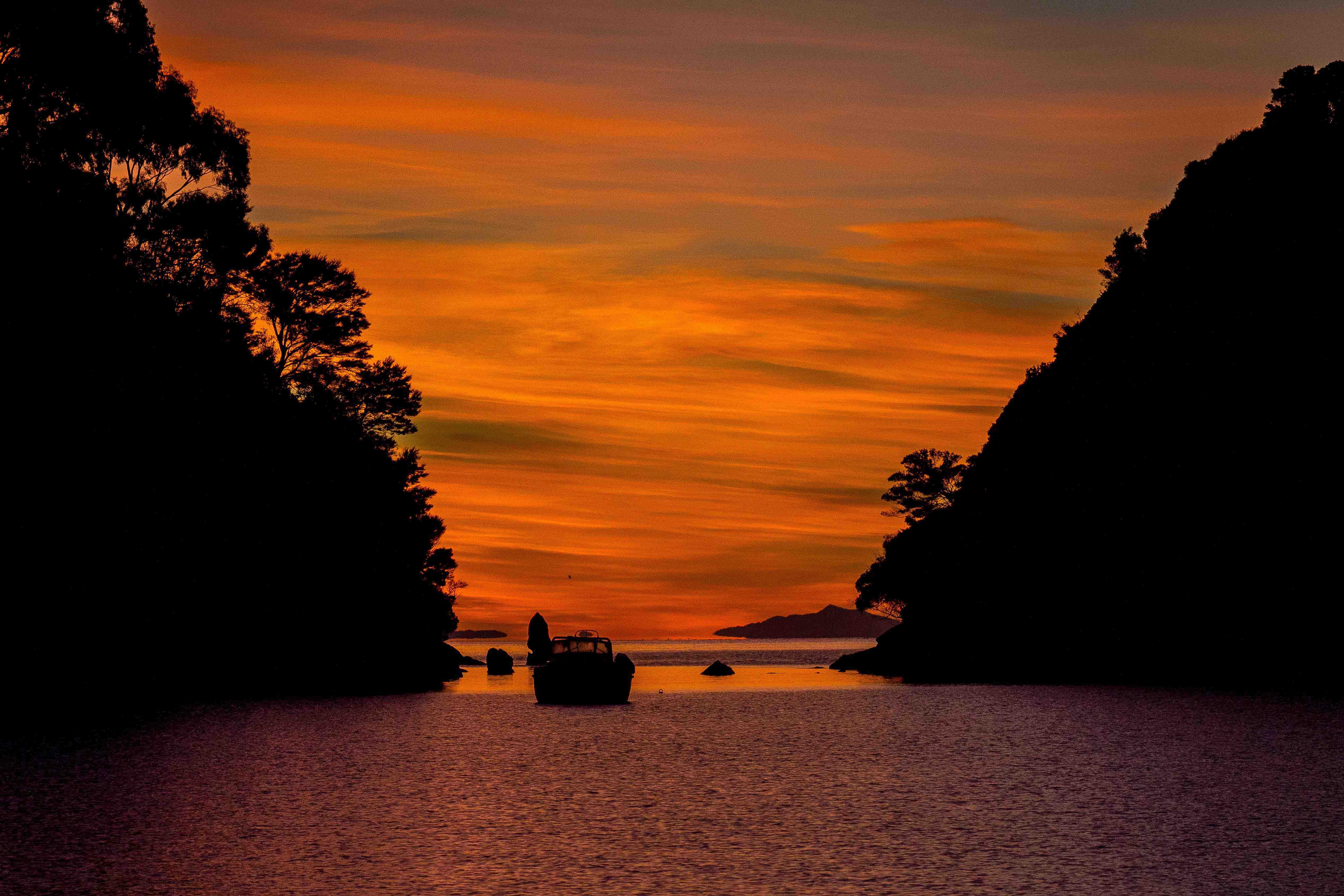 Sunrise 2 at Kaiteriteri NZ