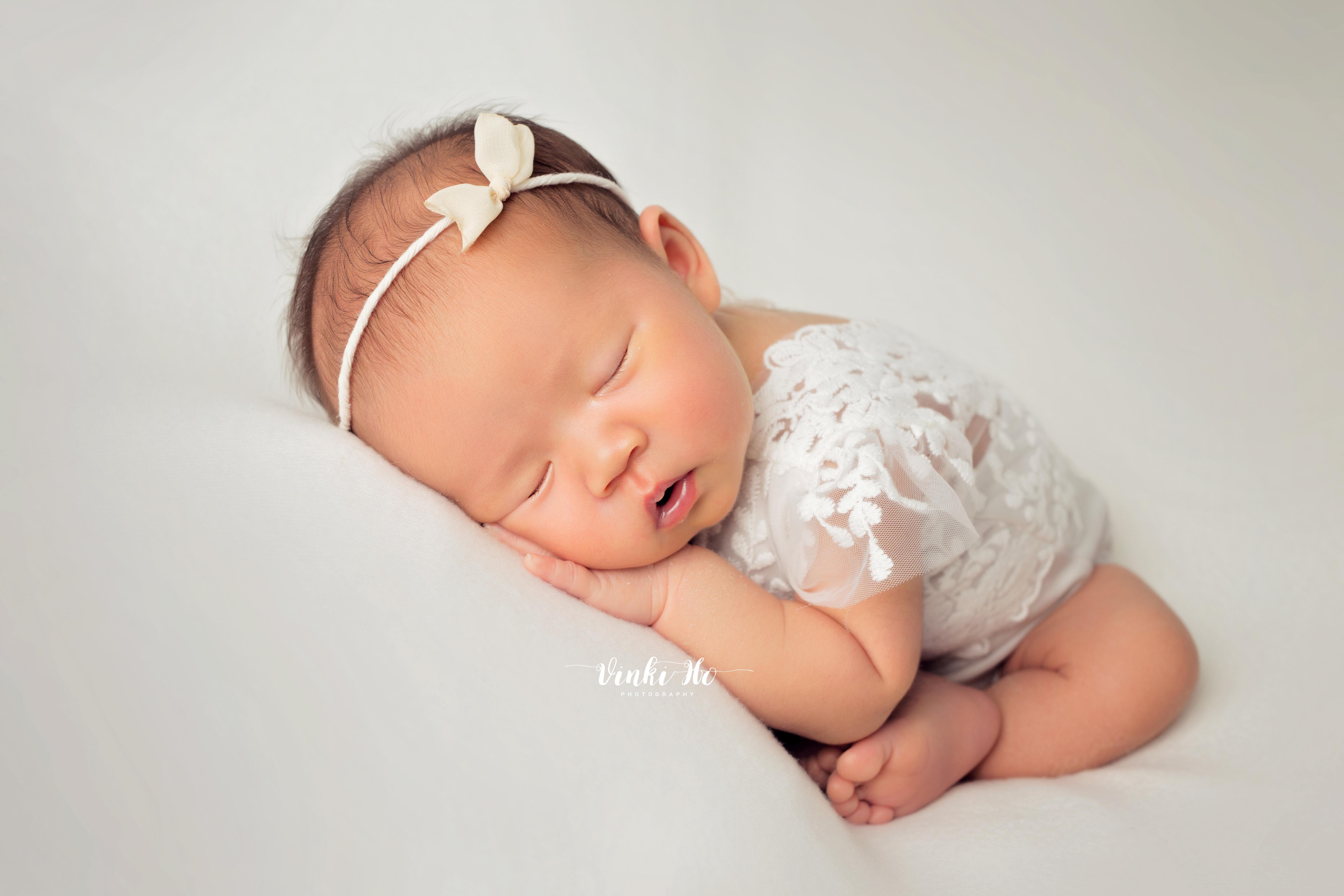 Baby Lexa ~ 17days old