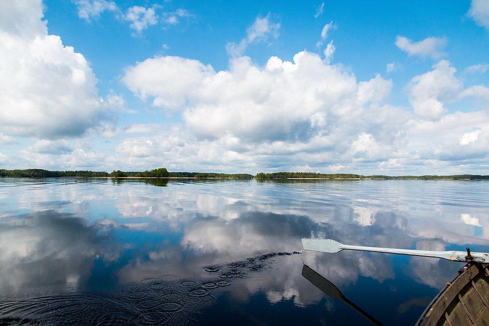 lake-1970182_1920.jpg