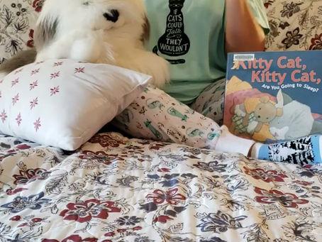 Goodnight! Sleep tight!  Book kitties:)