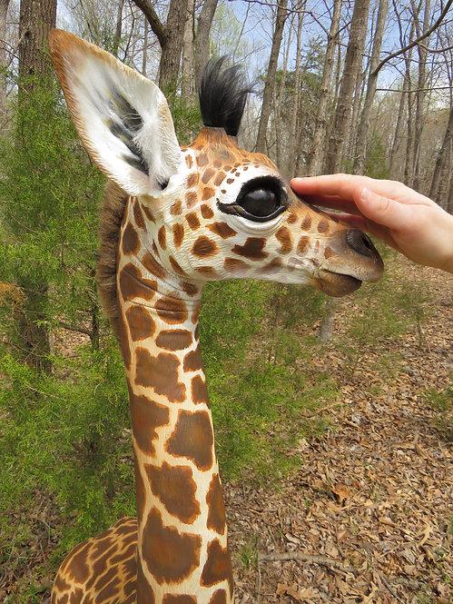 Amahle Sanaa, Life Size Masai Giraffe Art Sculpture