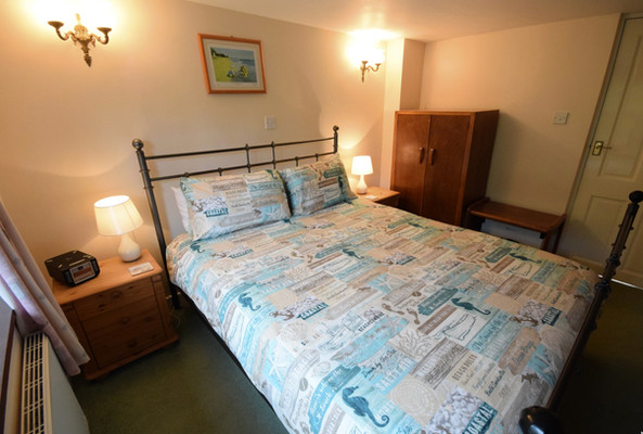 Ground floor kingsize bedroom