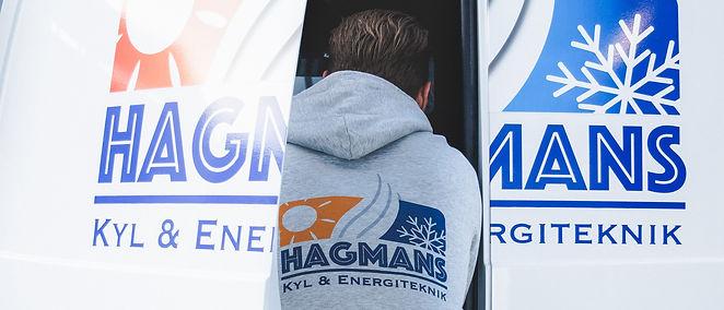 Hagmans Kyl Tekniker lastar ur bil