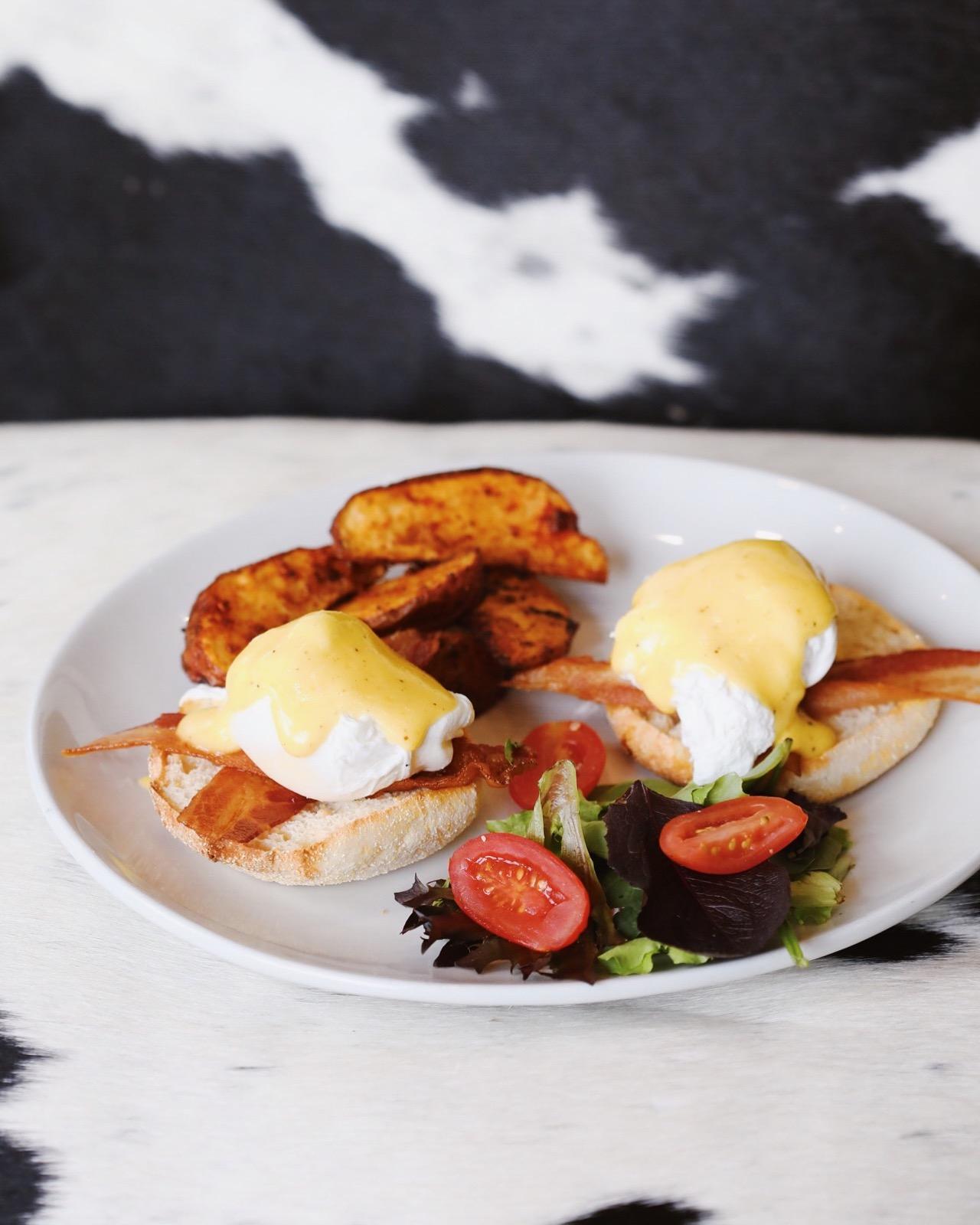 Bacon & Eggs Benedict