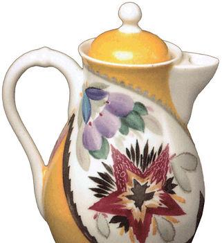 Молочник с изображением советских эмблем
