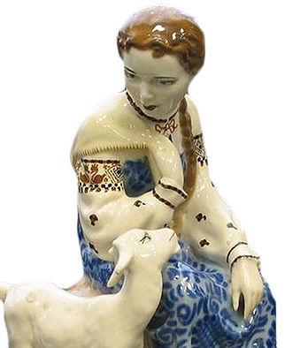 Фарфоровая статуэтка Аленушка
