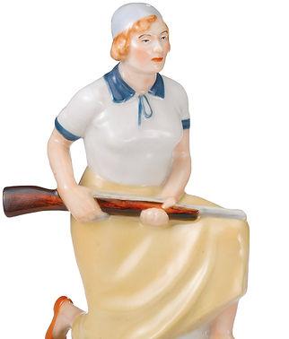 Фарфоровая статуэтка Осовиахимовка