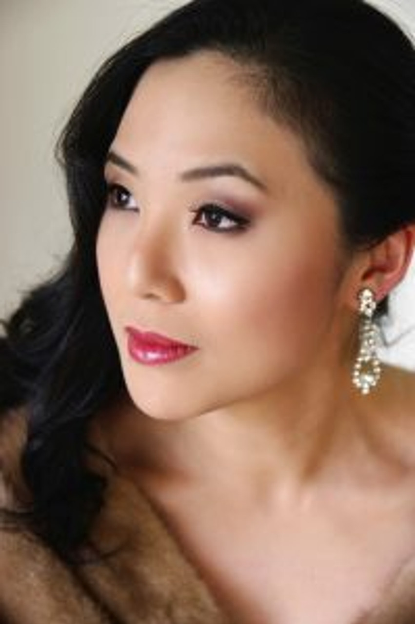 Opera star Eva Kong