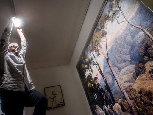 Lithgow: Artist shines light on Royal tour