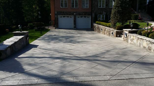 Pattern driveway.