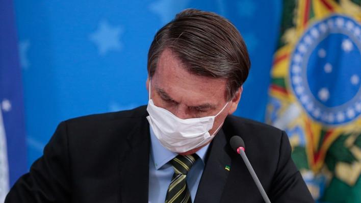 Presidente anuncia Bolsa-Família de R$300,00