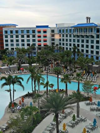 Universal Orlando > Loews Sapphire Falls Resort