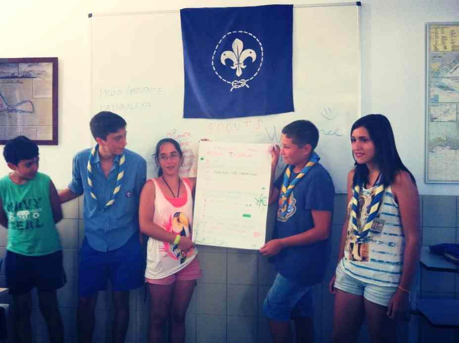 scouts_limpieza_tabarca_2013_3.jpg
