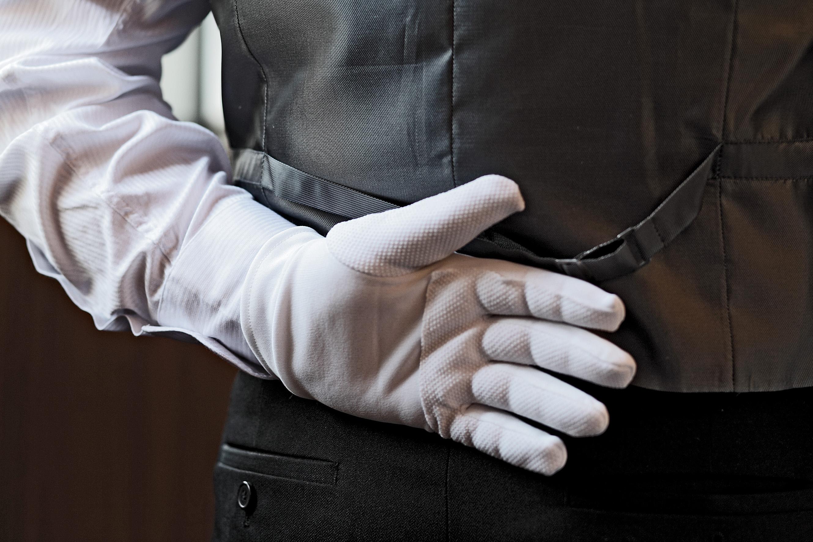 Butler-hand