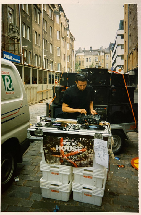 Dizzy, Street Party 1998