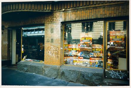 Spinefarm Records, 1998