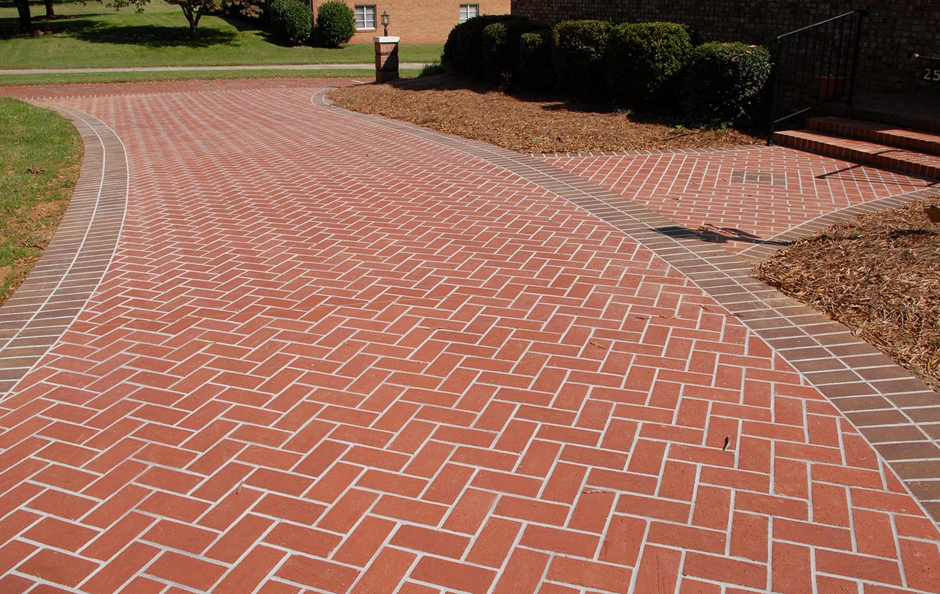 Pine-Hall-Brick_Brookstowne_-Red-Mod-wit