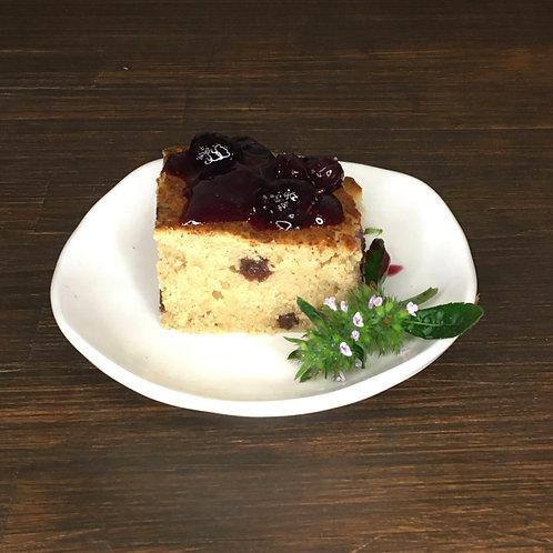 玄米粉のレーズンケーキ