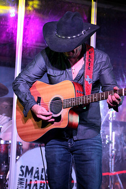 felix truvere at thirsty horse saloon