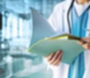 Doctor con archivos