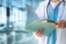 Doktor mit Dateien
