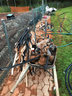 Die alten Linien und Wasserleitungen werden entsorgt