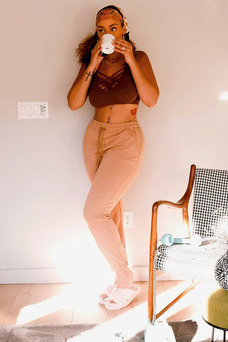 Keep things NEUTRAL | Camel Joggers